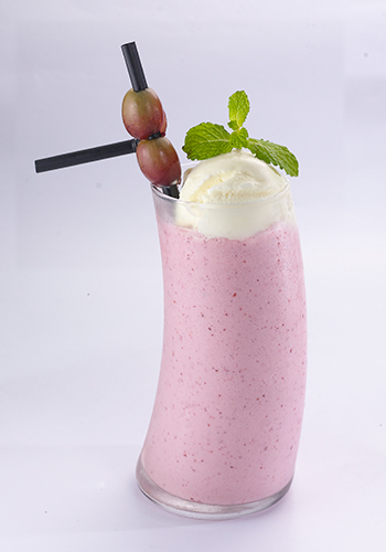 House at G Tower Christmas Drink Non-Alcoholic Berries Booster Shake