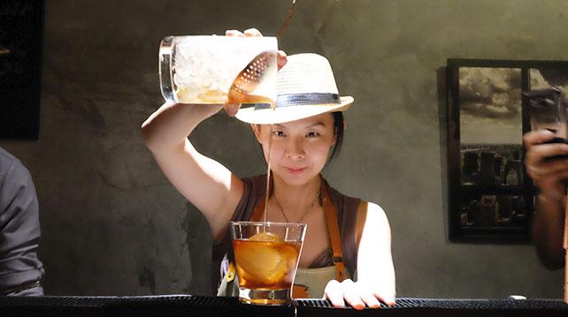 Locker and Loft DIY Cocktail Shake n Take make cocktail like a pro
