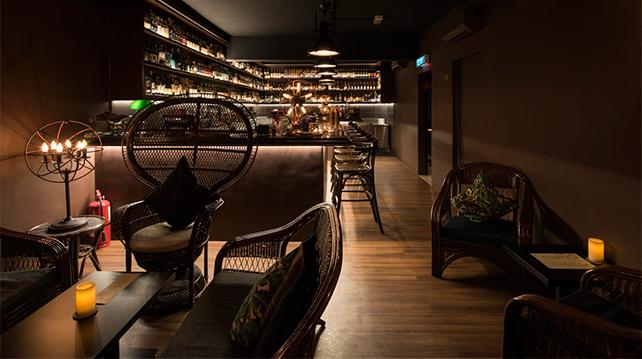 61 Monarchy Whisky Bar