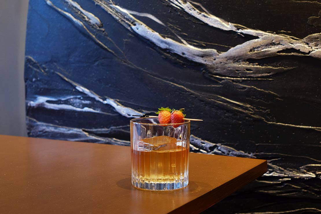 Gekko Dining Strawberry Old Fashioned