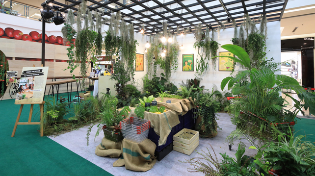 Refreshing by Nature 2018 display