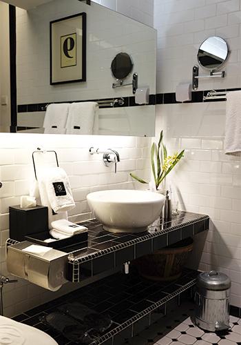 M Boutique bathroom
