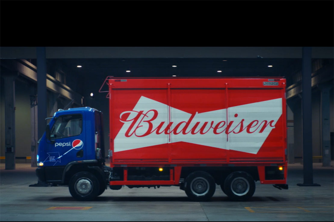Responsible billboard against drink driving goes to the road in Brazil