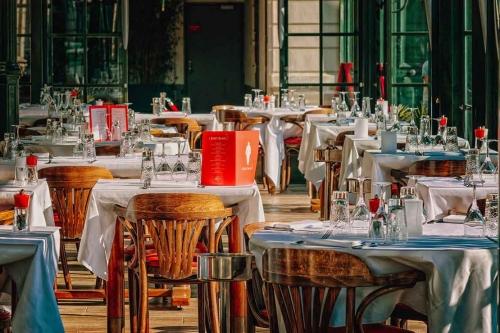 restaurant-3597677_1110.jpg