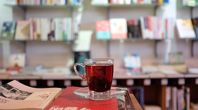 Cafes for the books and art lovers